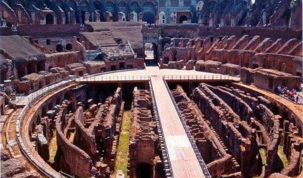 Naumachie mogły odbywać się w pierwszym okresie po wybudowaniu Koloseum
