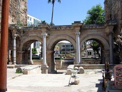 Brama Hadriana w Antalya