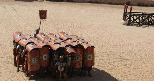 Testudo formation in action