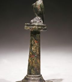 Roman statuette showing an eagle on a column