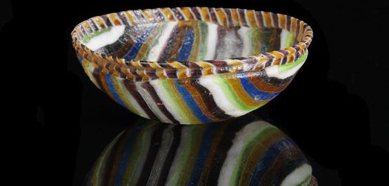 Roman plate bowl with colored stripes