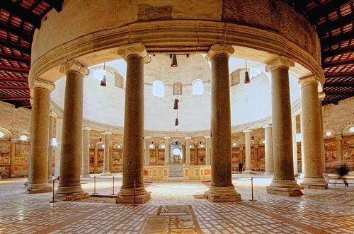Wnętrze Bazyliki św. Szczepana