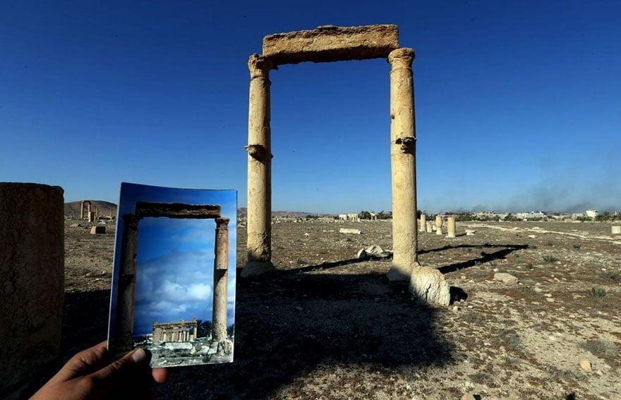 Świątynia Baala Shamina widziana niegdyś przez dwie kolumny