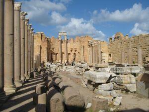 Kolumny z egipskiego marmuru