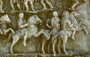 Konie wraz z jeźdźcami na reliefie