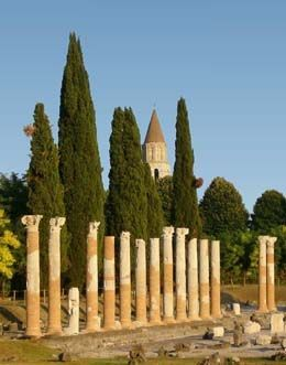 W 452 roku n.e. Hunowie splądrowali i zniszczyli Akwileję