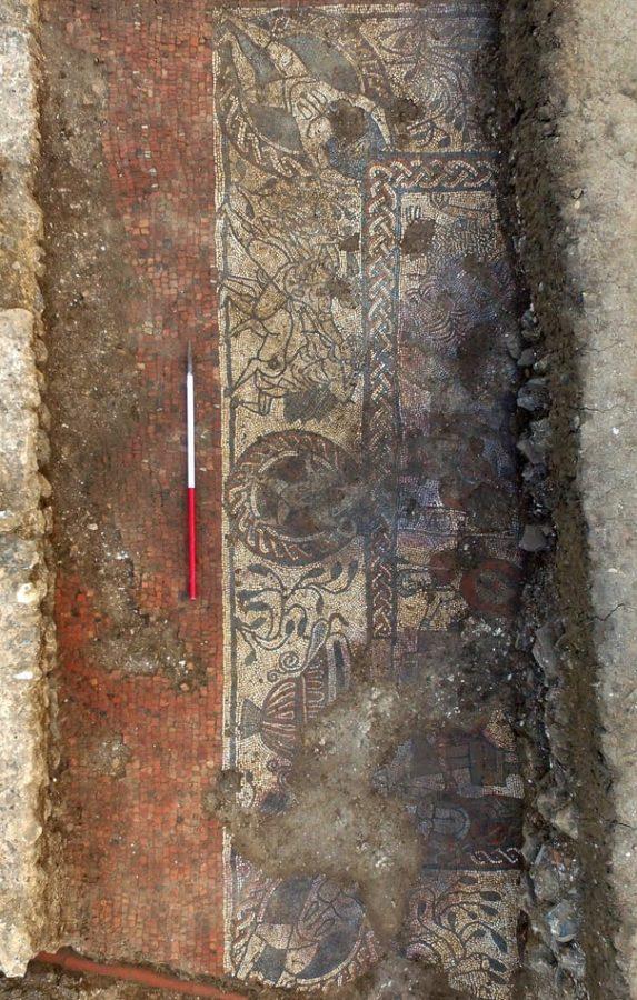 W południowej Anglii odkryto rzadką rzymską mozaikę