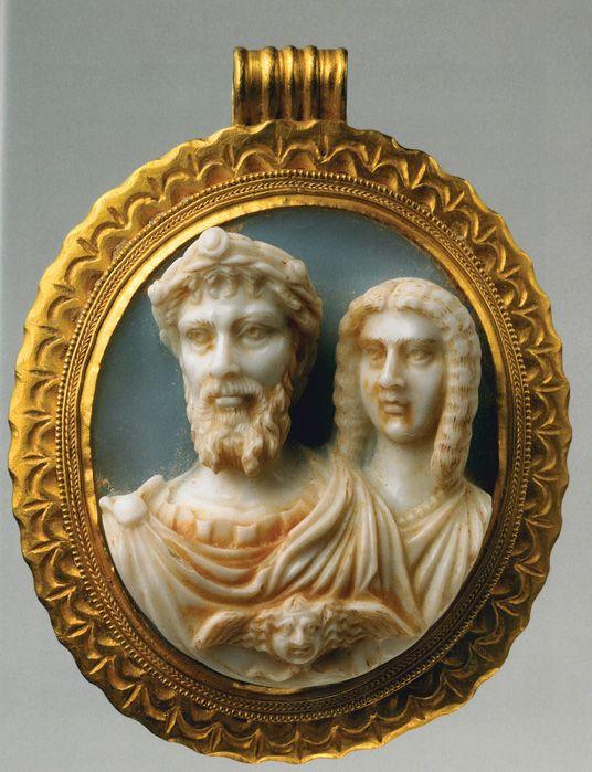 Wyjątkowa kamea ukazująca cesarza Septymiusza Sewera i jego żonę