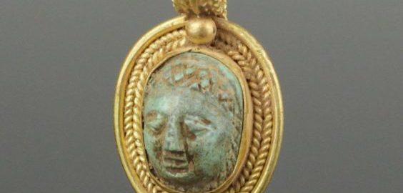 Unique Roman gold pendant