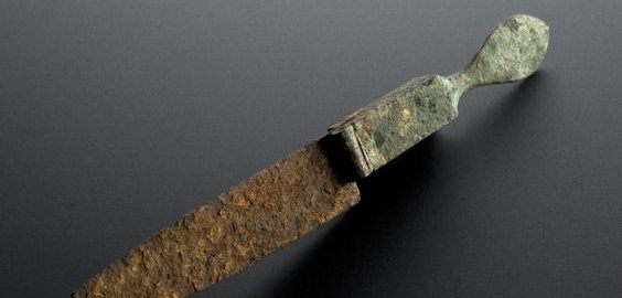 Dobrze zachowany rzymski nóż do operacji