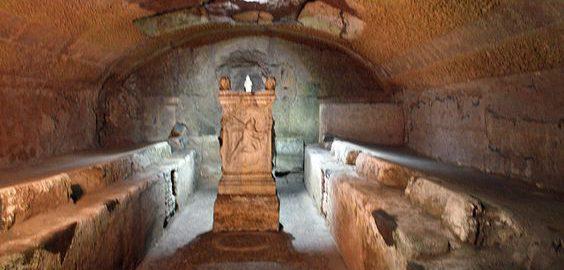 Świątynia Mitry pd kościołem San Clemente