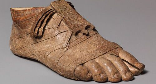 Made of ivory Roman foot in sandal