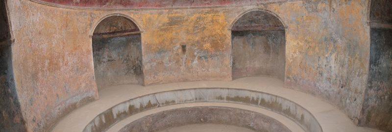 Frigidarium w termach w Pompejach