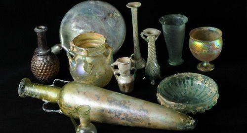 Wyjątkowy rzymski zestaw szklanych naczyń