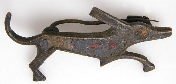 Roman brooch in shape of dog