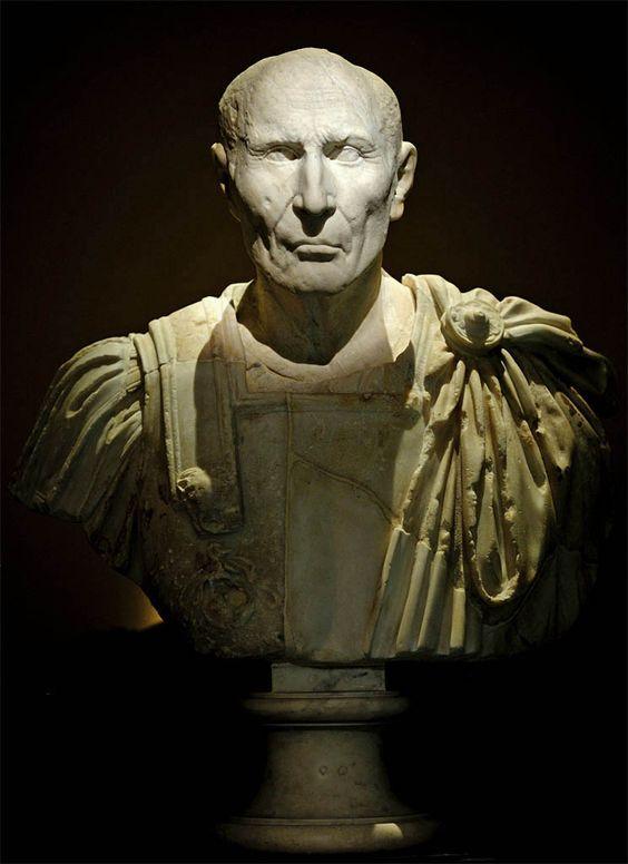 Rzymskie popiersie ukazujące nobila o wyrazistej twarzy