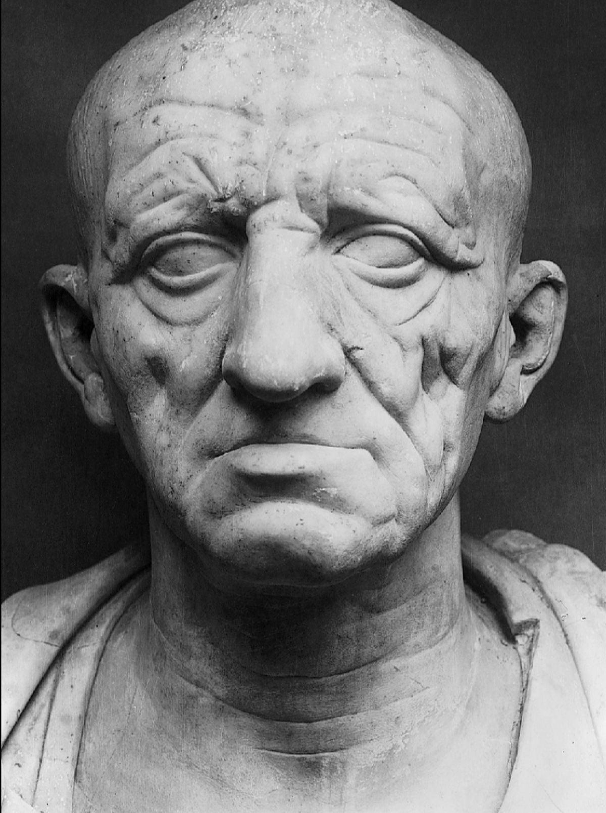Marmurowe popiersie rzymskiego patrycjusza