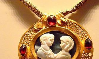 Roman gold relief necklace