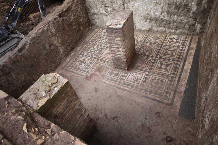 Antyczne koszary z II wieku odkryte podczas prac budowlanych