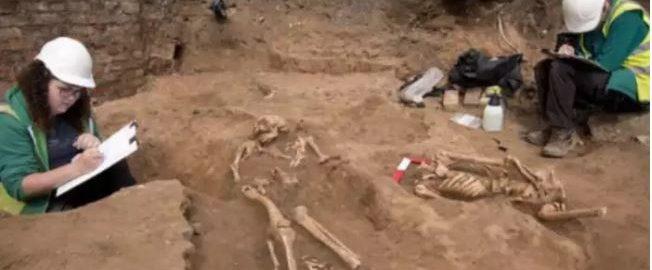 Odkryto 60 rzymskich szkieletów pod basenem w York
