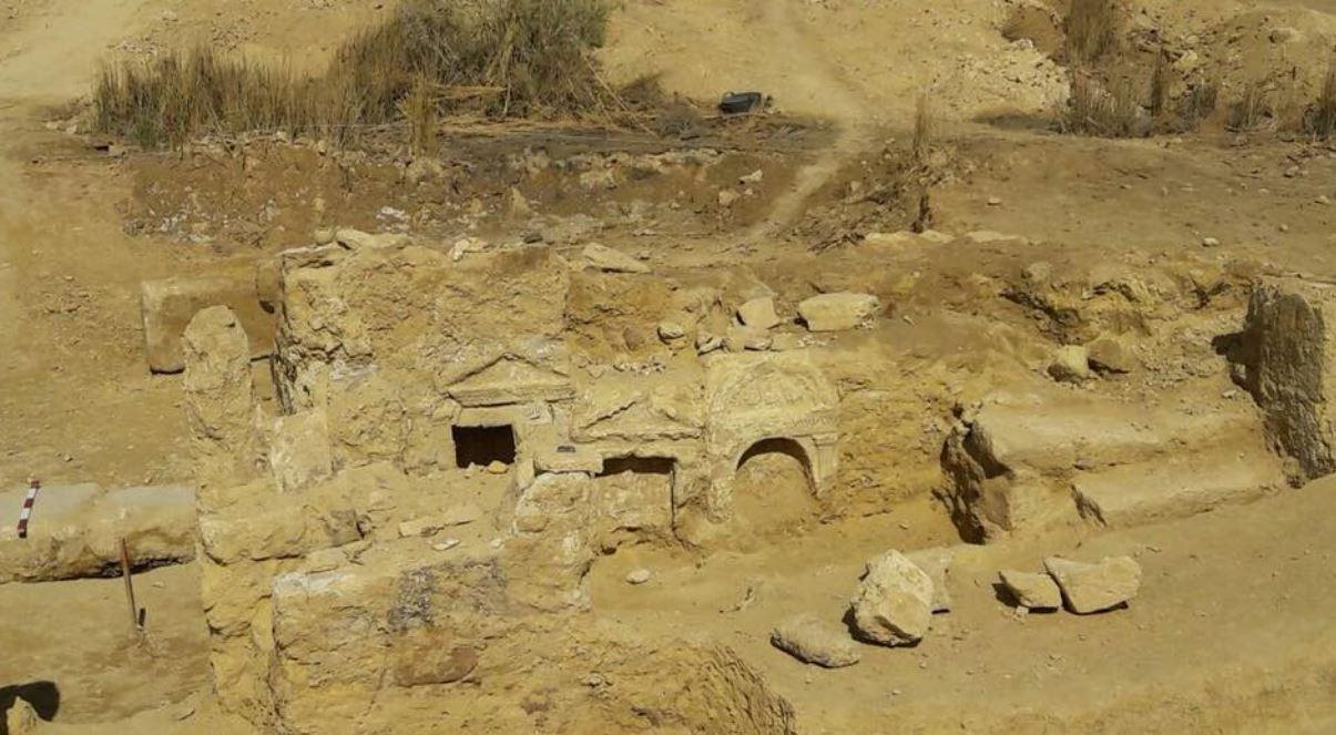 Na egipskiej pustyni natrafiono na grecko-rzymską świątynię