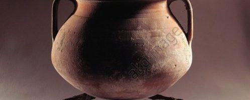 Roman terracotta tripod