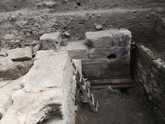 Archeolodzy odkryli I-wieczny rzymski łuk triumfalny w antycznym Trimontium