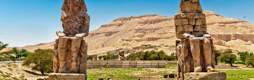 Kolos Memnona, czyli mówiący posąg