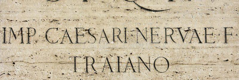 Inskrypcja cesarza Trajana na piedestale monumentu na Forum Trajana