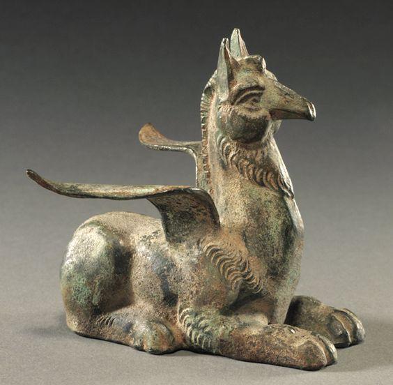 Rzymska figurka ukazująca gryfa