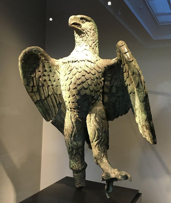 Wyjątkowa rzymska rzeźba orła