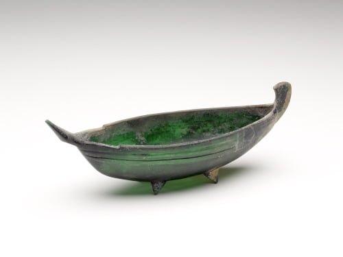 Szmaragdowa naczynie rzymskie w kształcie łodzi
