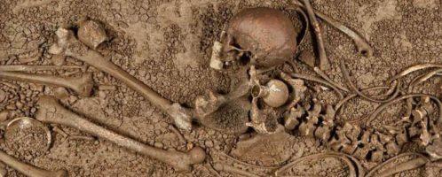 W Niemczech odkryto niesamowity sarkofag z wieloma artefaktami