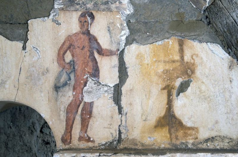 Zachowany frgament fresku w komancie gorbowej w Cumae