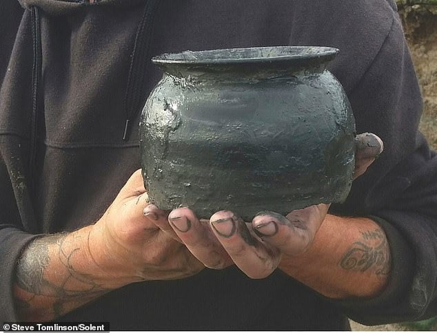 Pot from Roman times in England discovered
