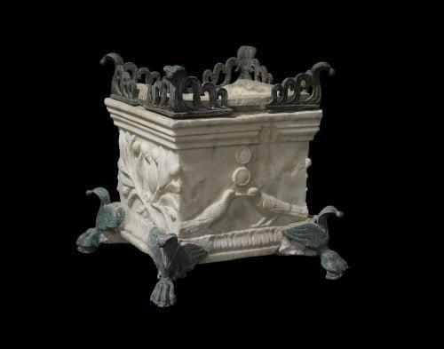 Miniaturowy rzymski ołtarz