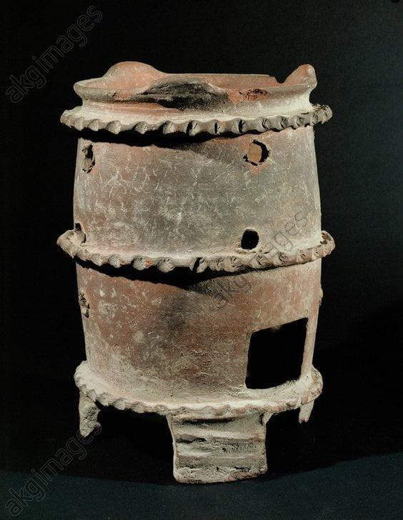 Rzymski terakotowy piec