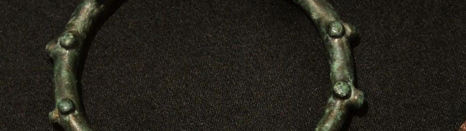 Rzymska bransoleta z brązu