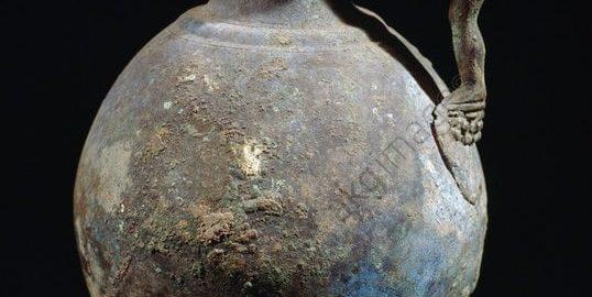 Rzymski dzban z ciekawym uchwytem