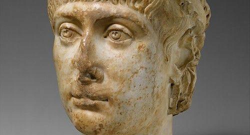 Marble head of Emperor Konstans