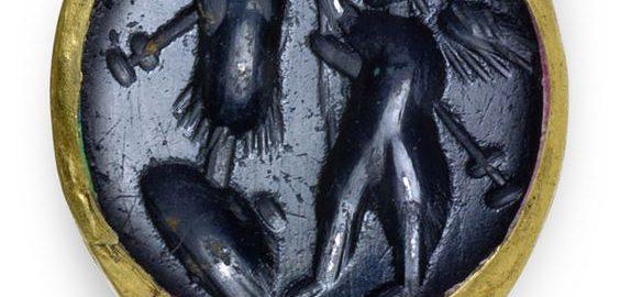 Rzymski pierścień z wizerunkiem Wiktorii i trofeum