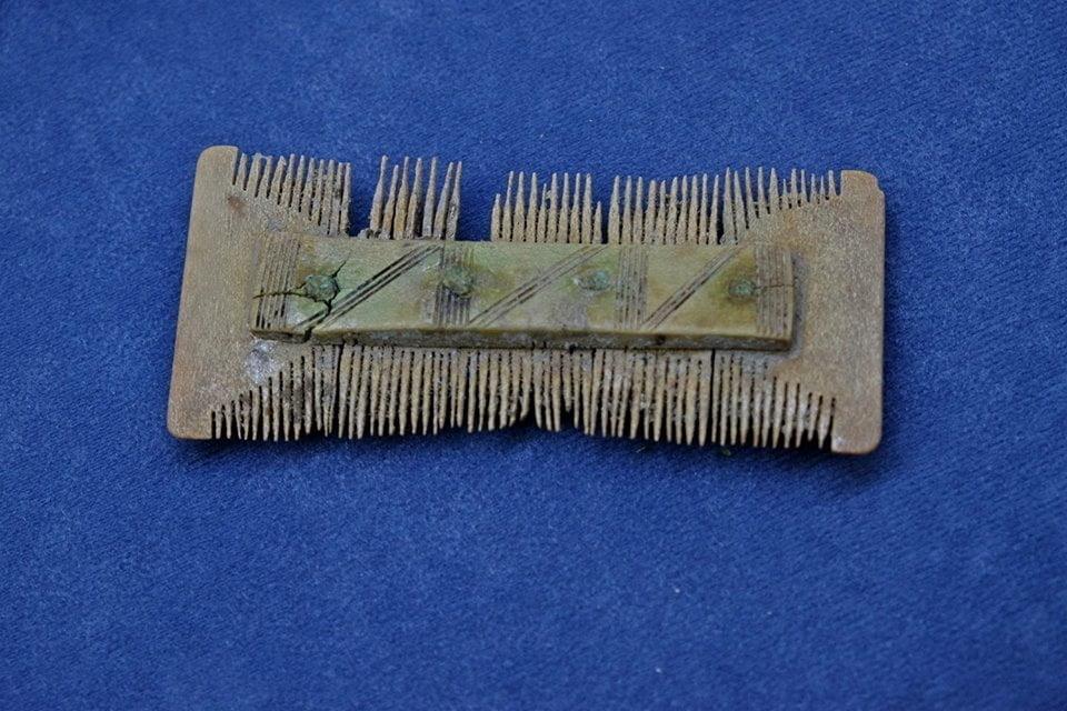 Roman comb