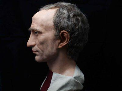Juliusz Cezar, autor Cesares de Roma