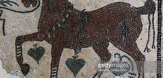 Koń wyścigowy na rzymskiej mozaice