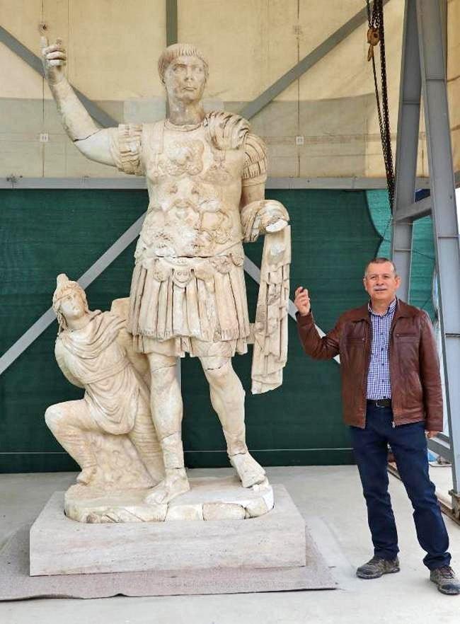 W Turcji odkryto posąg Trajana
