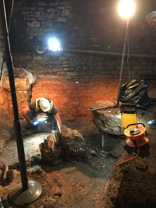 Forgotten bath discovered in famous Baths