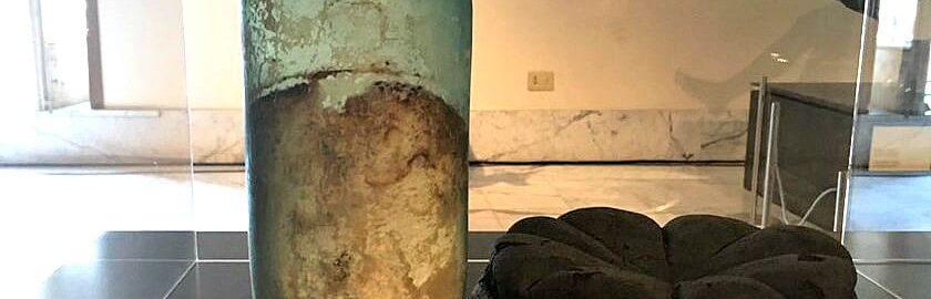 Najstarsza znana butelka z oliwą z oliwek