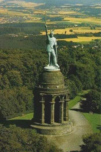 Pomnik Arminiusza wzniesiony w 1875 roku