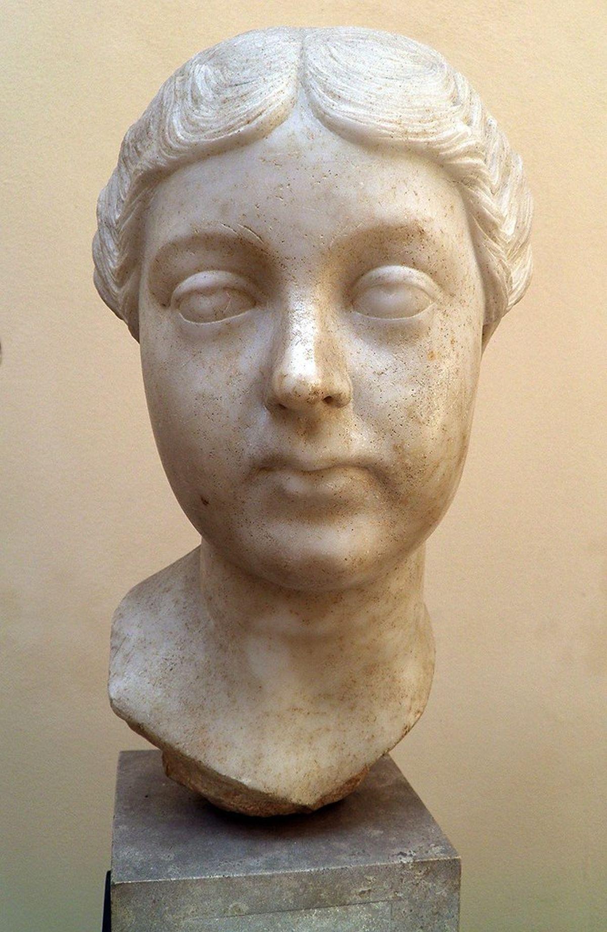 Rzymska marmurowa głowa Lucilli