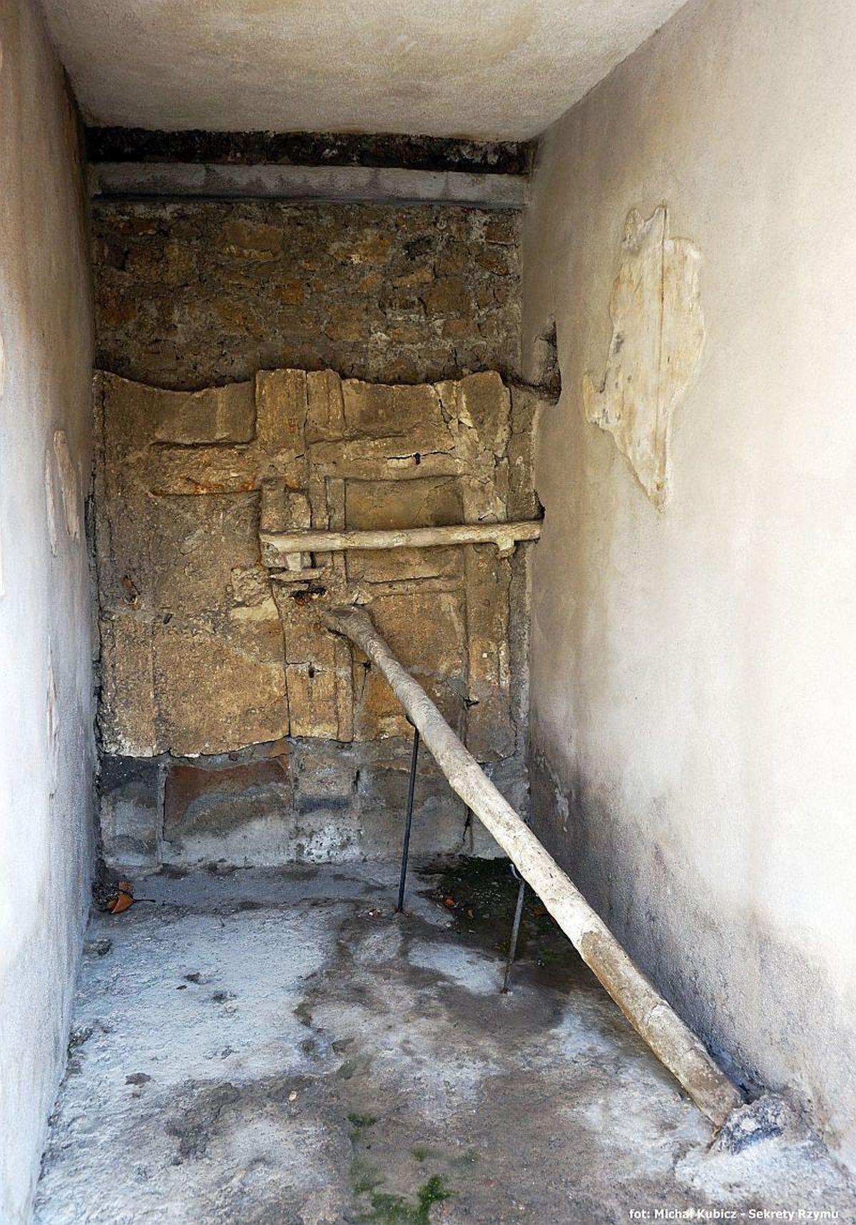 Przedsionek tzw. Domu Efeba w Pompejach
